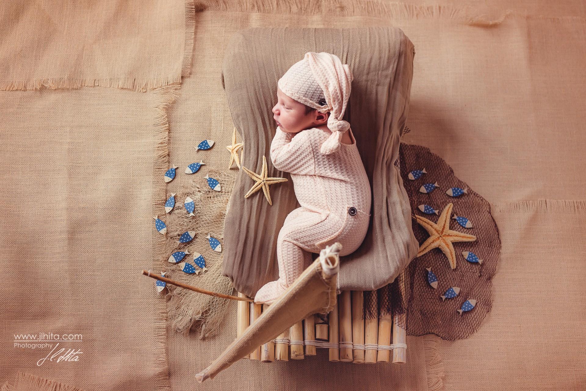 Sesión fotográfica de recién nacido de Nael en Alovera